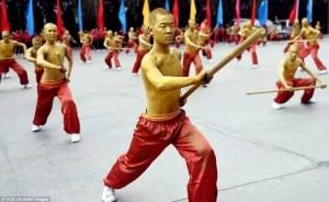 Savaş sanatı okullarından öğrenciler yaklaşan 11.inci Uluslar arası Zhengzhou 'da olacak Shaolin Wushu Festivali için provalar yapıyorlar.
